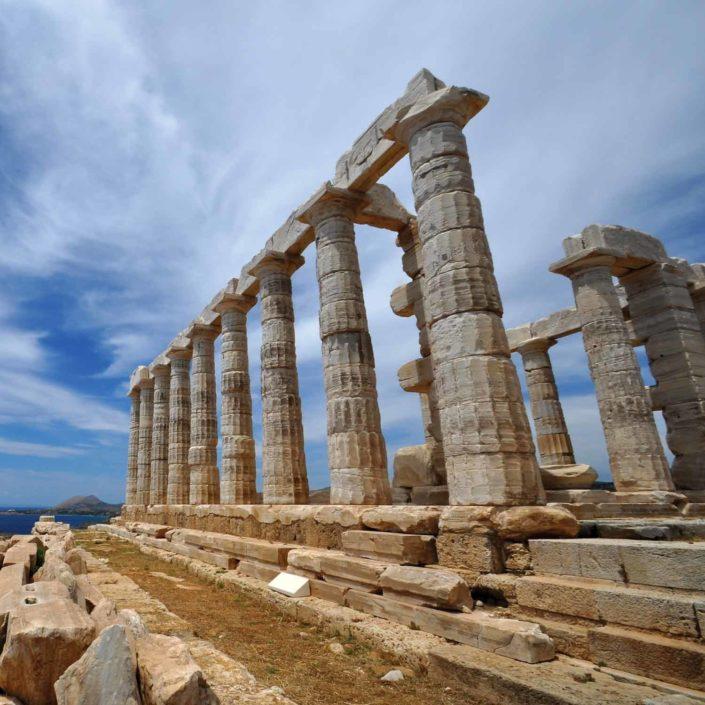 Grecia in moto: un itinerario tra storia, mitologia e mare cristallino.