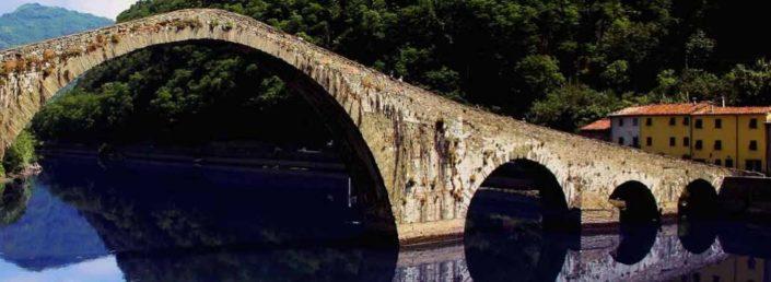 Alta Toscana in moto: un weekend tra Appennino e Alpi Apuane