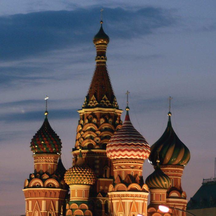 Russia ed Europa Settentrionale in moto per tre settimane di viaggio indimenticabili.